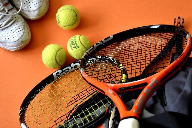 Les accessoires indispensables au tennis